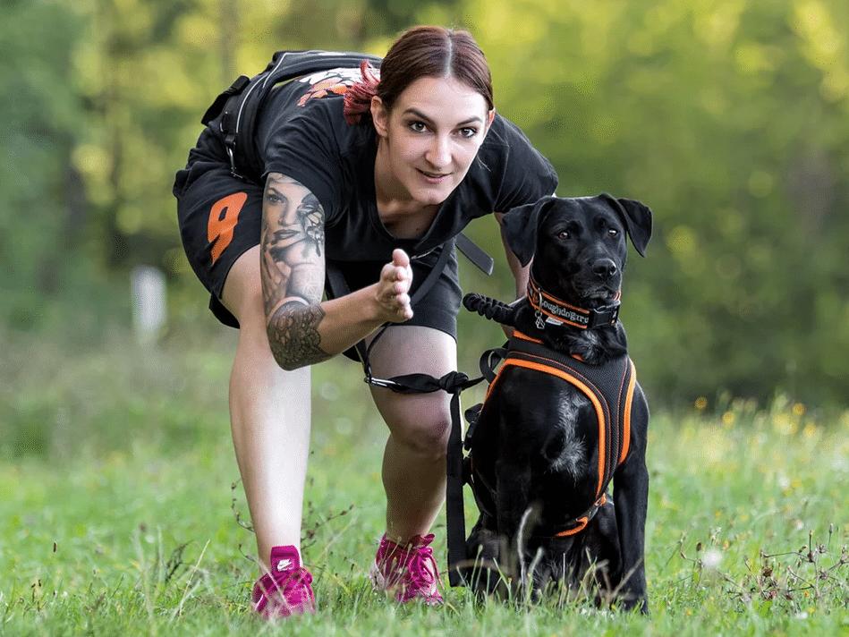 Franziska mit Ida während des Tough Dogz Runs